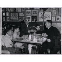 1958 Press Photo boxer Joe Awful Coffee with kids - RRX24439