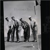 1964 Press Photo Paradise Valley Course Open First Putt