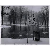 1962 Press Photo Palmer Park Skating Board Fair Weather