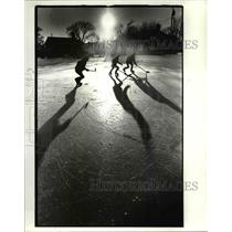 1985 Press Photo John Mohar, Kurt Traum and Mark Traum play ice hockey