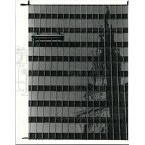 1990 Press Photo Window washers on the Illuminating Co Bldg on 55 Frankfort