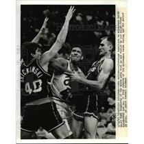 1991 Press Photo Brad Daugherty, Frank Brickowski & Fred Roberts- Cavs & Bucks