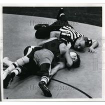 1972 Press Photo Mike Incorvaia Pinning Opponent John Egan - cvb35423