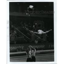 Press Photo Cheering stunts - cvb43255