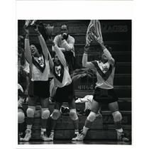 1990 Press Photo Elyria girls volleyball team celebrates their victory