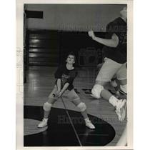 1990 Press Photo Amy Mikut, Strongsville volleyball player - cvb45121