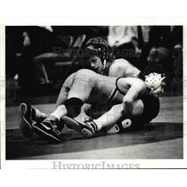 1991 Press Photo Mike Gorman wrestles Nate Samblanet in the 103 LB Class