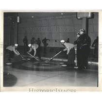 Press Photo Chicago Curling Club Northbrook - RRW54171