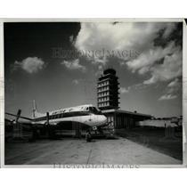 Press Photo Grand Rapids airport Michigan plane landing