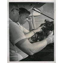 1960 Press Photo Jack Moore Flying Lessons Tom Sauls