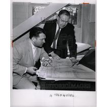 1963 Press Photo Detroit Airport Schultz Ray