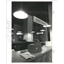 1977 Press Photo Betting Messenger Services cease work - RRW38289