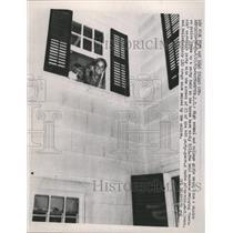 1965 Press Photo Drugs Seized by Police - RRW49261