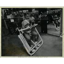 1958 Press Photo Omar Karim West Bend Gym Norman Goods - RRW66121