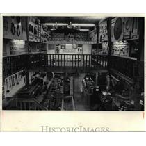 1985 Press Photo A Barn of Mountain Pioneers things at the Museum of Appalachia