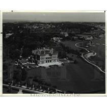 1985 Press Photo The Breakers and Cliff Walk-Newport Rhode Island - cvb22824