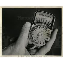 1963 Press Photo Universal Exposure Meter Weston Calci - RRW67657