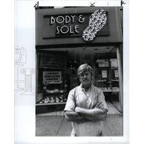 1990 Press Photo Wally Greigo Deal Drugs Spend Money El
