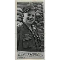 1965 Press Photo Associated Press Columnist Hal Boyle in Vietnam - noa43889