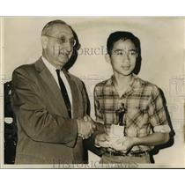 1962 Press Photo Yeu Jwo Chin (age 13) receives award - noa64176