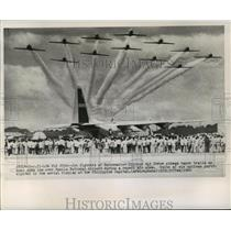 1960 Press Photo Chinese Air Force jets fly over Manila National Airport