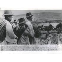 1962 Press Photo Villagers Yungay Indians - RRX81375