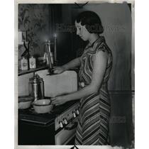 1937 Press Photo June Coleman Saginaw Michigan Power Strike - RRW94735