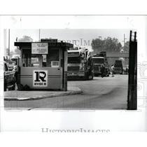 1991 Press Photo Truck Drivers Strike Dearborn Area - RRW86689