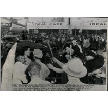 1946 Press Photo AFL Picket Studio Hollywood Strike - RRX67531