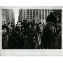 1991 Press Photo Demonstrator effort moved police horse - RRX56649