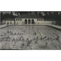 1937 Press Photo Comstock pool, full of swimmers - spb03206
