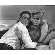 "1961 Press Photo Connie Stevens and Grant Williams in ""Susan Slade""."