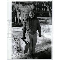 1994 Press Photo David Winters Cold Weather Chicago
