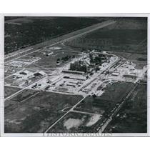 1961 Press Photo Aerial view of Du Pont Plant, Victoria, Texas - hcx04904