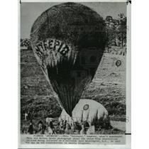"1861 Press Photo ""Intrepid"" Hot Air Balloon Inflated near Washington D.C."