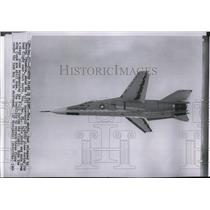 1964 Press Photo Test flight of the F-111 Supersonic Fighter Plane over Texas