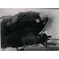 1943 Press Photo The Flying Fortress in England with two guns pointing upward
