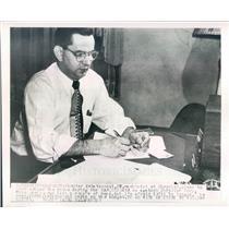 1950 Press Photo Detroit MI Chester Kwiatkowski Chrysler Machinist - ner23791