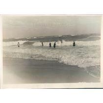 1929 Press Photo Palm Beach FL Society Bathers Brave Heavy Surf - ner38665