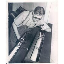 1947 Press Photo Detroit MI Russell Harrison Blind Piano Tuner - rkf13301