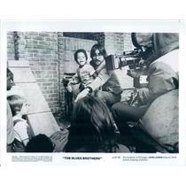 1980 Press Photo Director John Landis Filming The Blues Brothers - rkf577