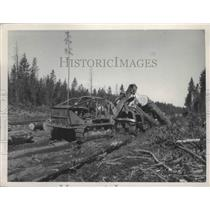 1951 Press Photo Machine Moving Lumber - spa90994