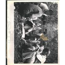 1952 Press Photo Guerrilla Exercise Instructor maps - RRX89907