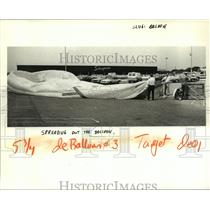 1984 Press Photo Hot Air Balloon is Spread Out in Parking Lot of Schwegmann