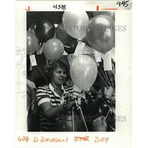 1982 Press Photo Balloons Released For WG Schnekenburger School Fundraiser