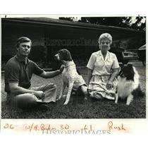1986 Press Photo Maurice and Deborah Bahm with their Two Dogs, Louisiana