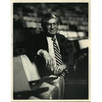 1993 Press Photo Broadcaster Joe Dean, Mr. String Music - noa84304