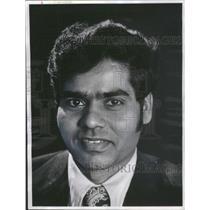 1982 Press Photo Sangayya Hiremath Chicago O'Connor Ucandian Asian Refugees