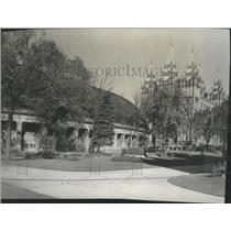 1954 Press Photo The Salt Lake Tabernacle and Temple located on Temple Square