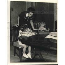 1927 Press Photo Mrs. Mel Ott, Wife of New York Baseball Player with Children